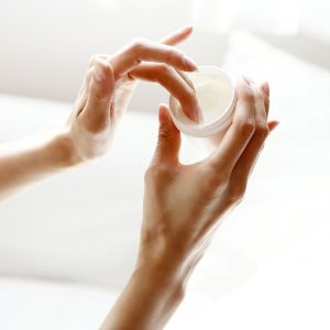 Как выбрать лучший крем с гиалуроновой кислотой.